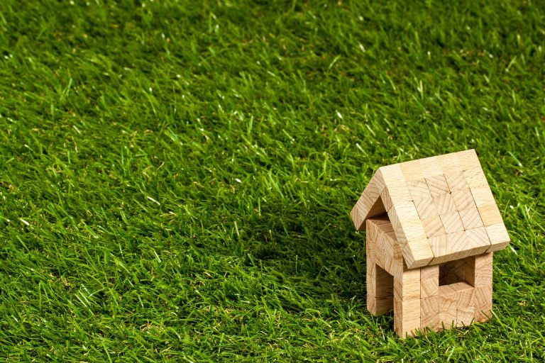 How to Stop Your Artificial Grass from Smelling Like Puppy